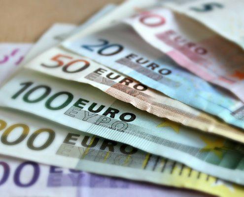minimálna mzda v Rakúsku