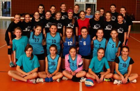 Mladšie žiačky na turnaji v Uherskom Hradišti